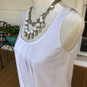NY&Co stretchy sleeveless blouse